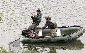 Особенности ловли рыбы с лодки
